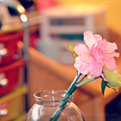 Flower pen on desk